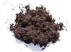 Es un material de origen vegetal. Proviene de una fermentación escasa en oxígeno y sales minerales